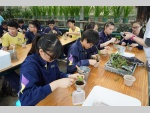 151111 Kadoorie Farm visit F4 Biology students (14) (Medium).JPG
